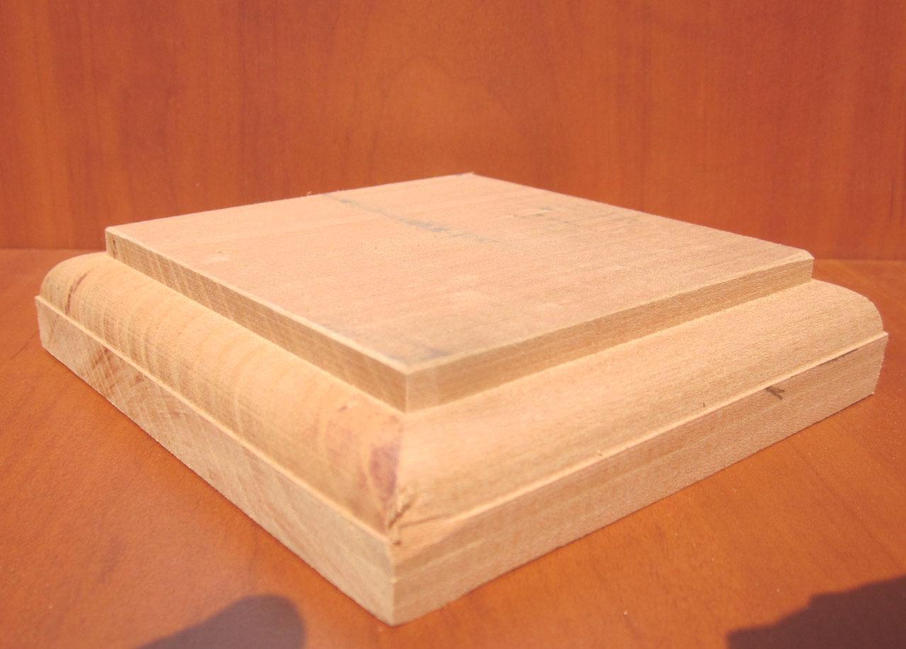 socle en bois socle laqu 233 socle de presentation